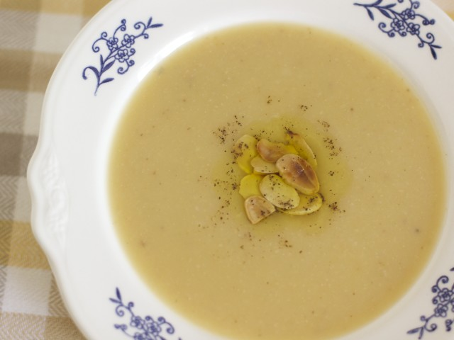 Roasted Cauliflower Potato Leek Soup
